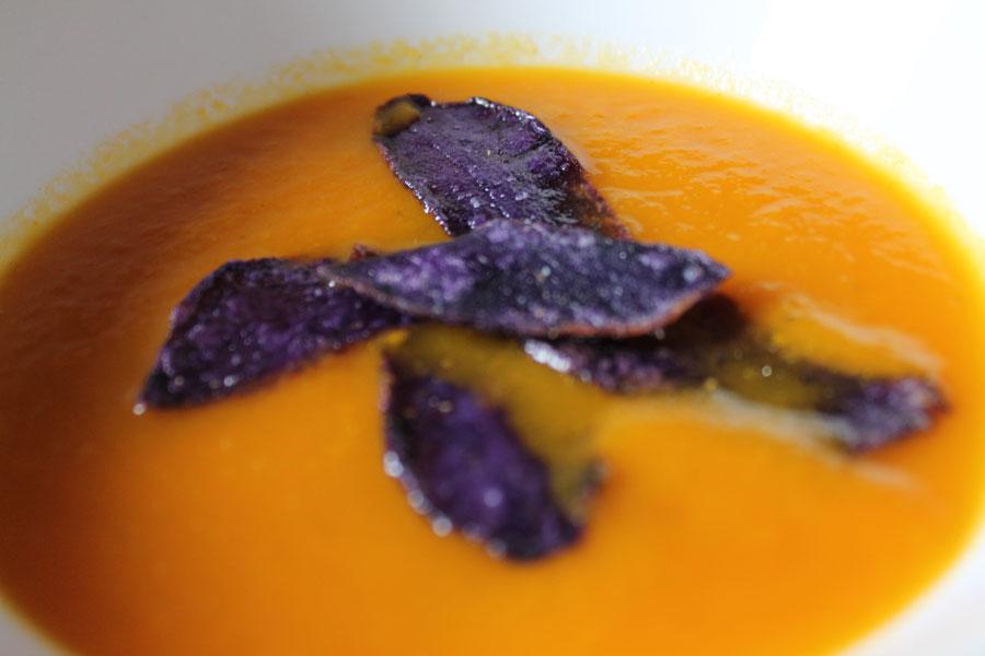 karotten ingwer suppe eine suppe die nach asien schmeckt lecker. Black Bedroom Furniture Sets. Home Design Ideas