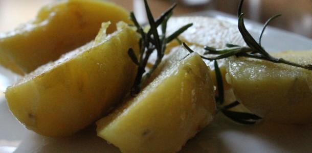 rosmarinkartoffeln schmackhafte kartoffelbeilage f r viele gerichte. Black Bedroom Furniture Sets. Home Design Ideas