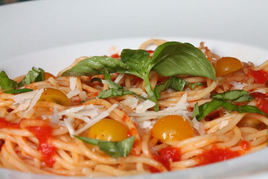 italienische tomatensauce mit frischen tomaten