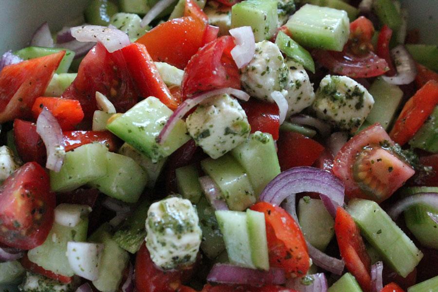 griechischer salat salat rezept f r freunde der griechischen k che. Black Bedroom Furniture Sets. Home Design Ideas