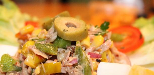 mediterraner-thunfisch-salat-nah